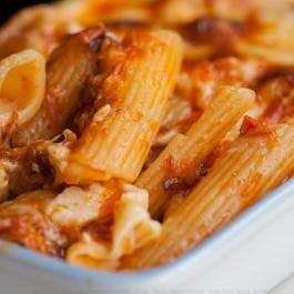 Casserole de rigatoni au poulet parmesan