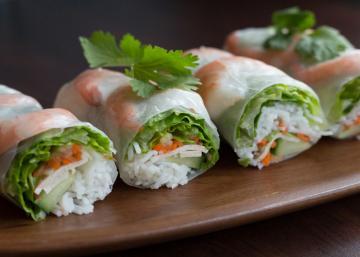 Un pur DÉLICE! Rouleaux de printemps vietnamien aux crevettes grillées et sauce aux arachides maison