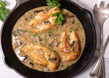 Poulet, champignons, sauce crémeuse rapido-presto! Une combinaison ABSOLUMENT délicieuse
