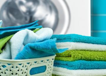 Vous détestez les serviettes de bain sèches et rugueuses... Voici ce dont vous avez besoin pour y remédier