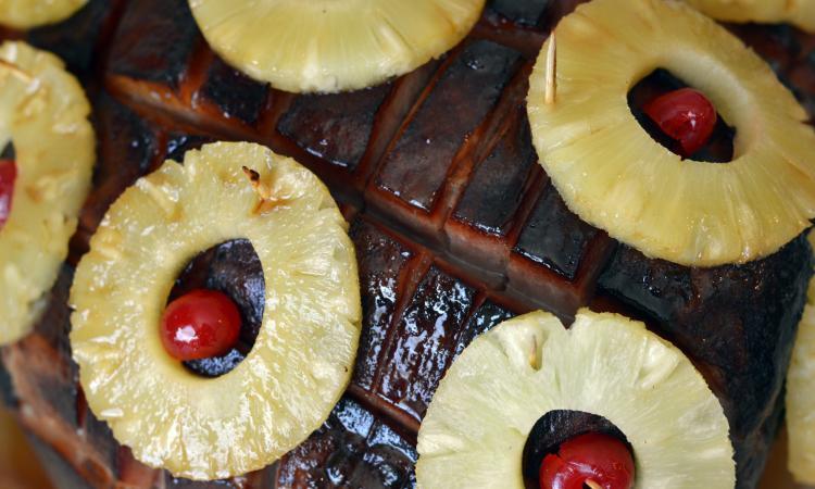 Jamais vous n'auriez pensé que ce soit si simple de cuire le meilleur jambon à l'ananas du monde!
