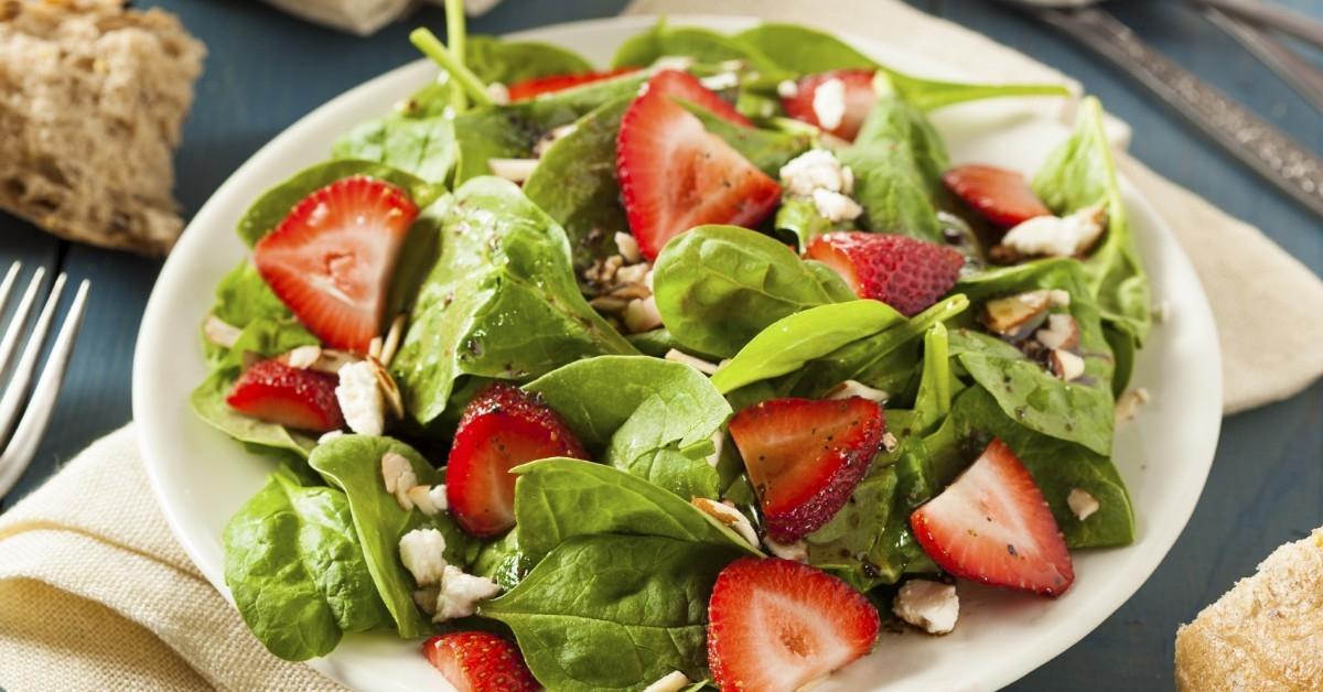Salade d 39 pinards fraises et pacanes grill es un for Fraise pour perceuse dijon