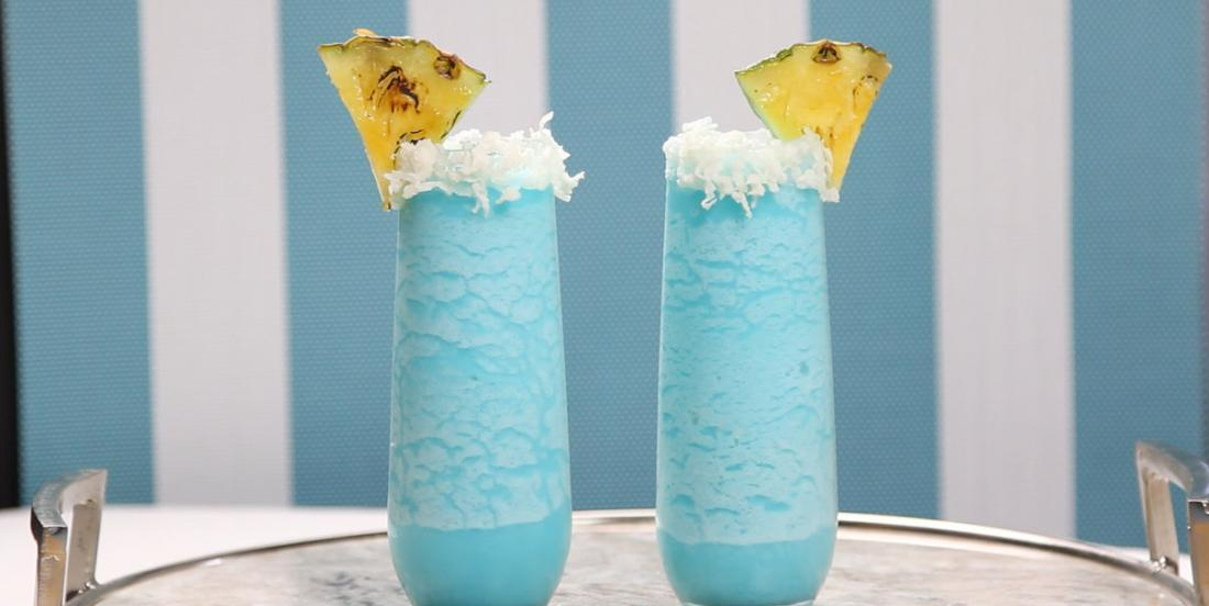 Ananas, vodka et crème de coco! Un cocktail magnifique et presque trop bon!