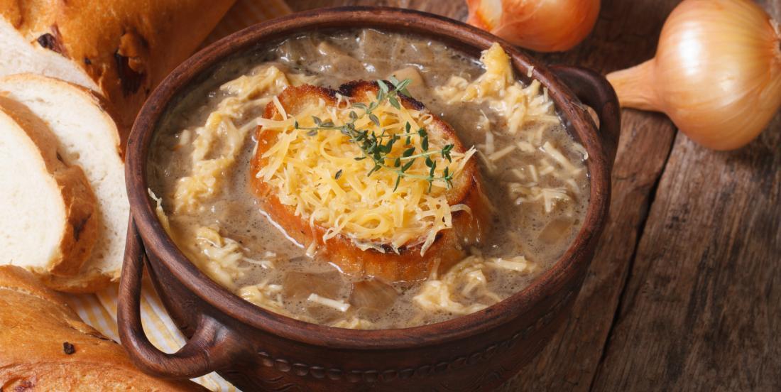 Que diriez-vous d'une bonne soupe à l'oignon à la Guinness pour célébrer la St-Patrick?