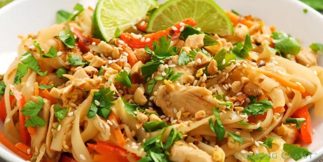 Pad thaï au poulet et aux arachides