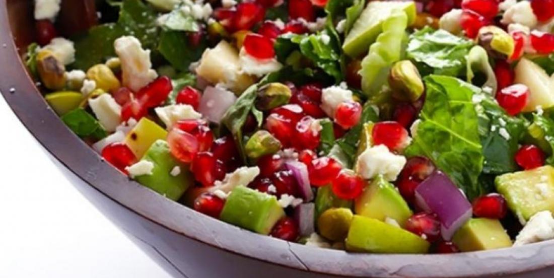 Salade à la pomme grenade, aux poires et avocats...Vinaigrette aux agrumes
