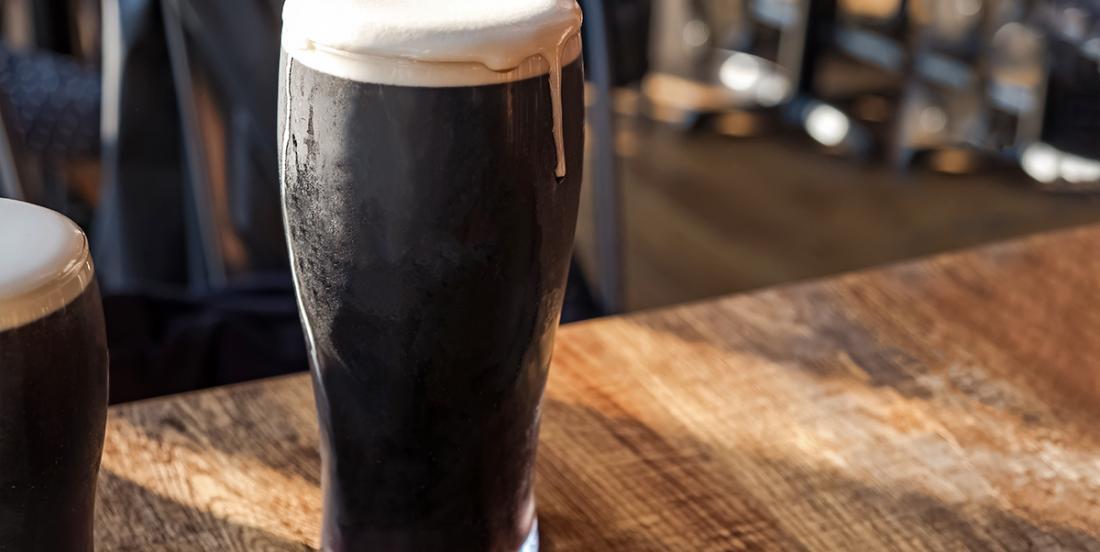 Une microbrasserie québécoise lance une première bière aux grillons