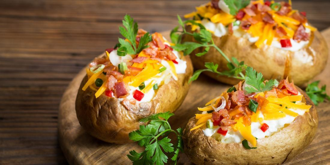 Les 7 plus grosses erreurs que vous commettez quand vous faites cuire des pommes de terre au four