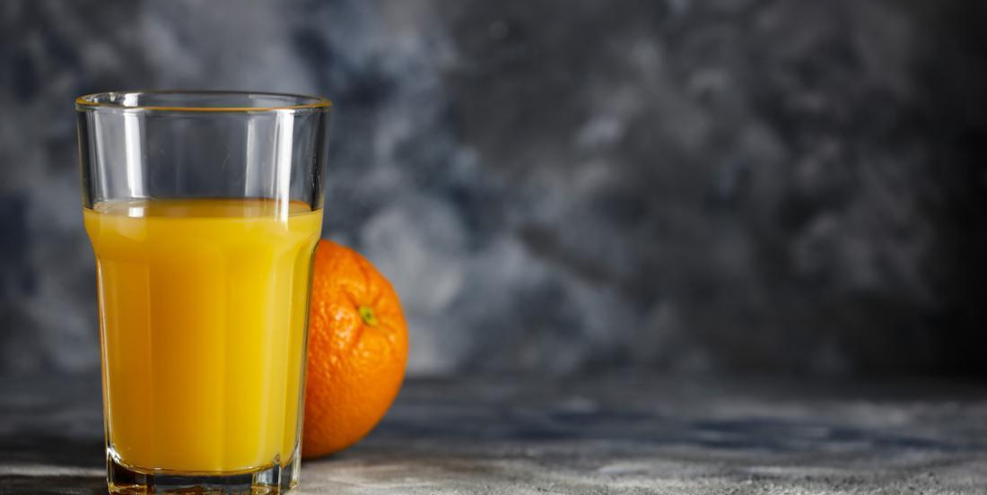 Le jus d'orange pourrait-il aider à se protéger de la COVID-19?