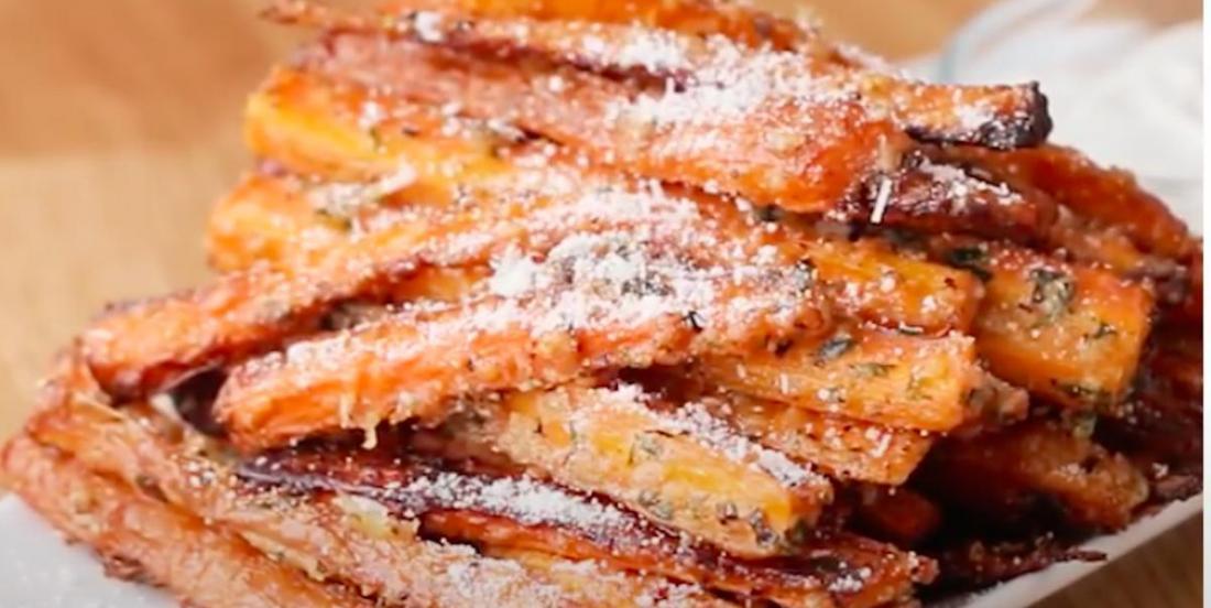 Faites changement pour le souper! Essayez ces frites de carottes à l'ail et au parmesan!