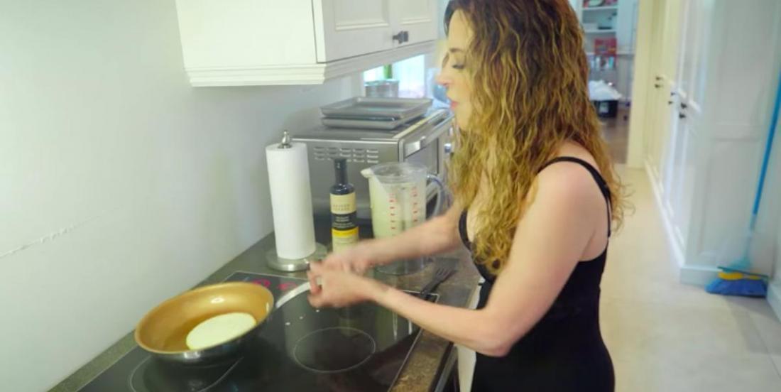 La recette de crêpes «pour paresseuses» de Julie Snyder