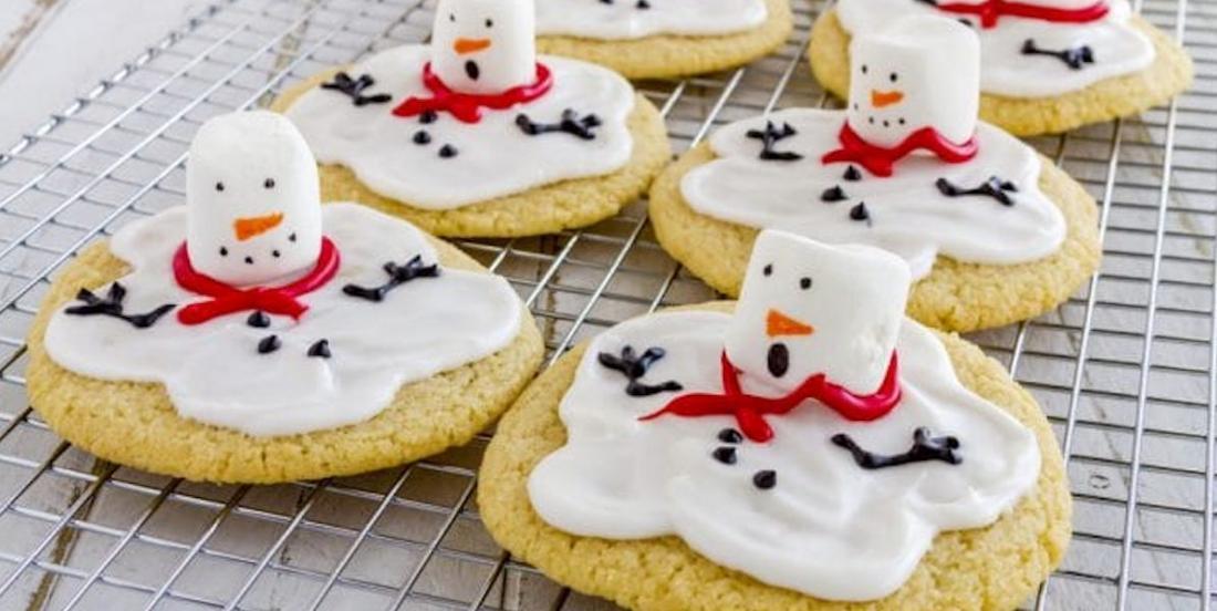 Voici comment faire des biscuits en bonhomme de neige fondu!