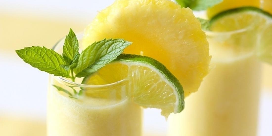 Une boisson parfaite pour les beaux jours: le cooler à l'ananas!