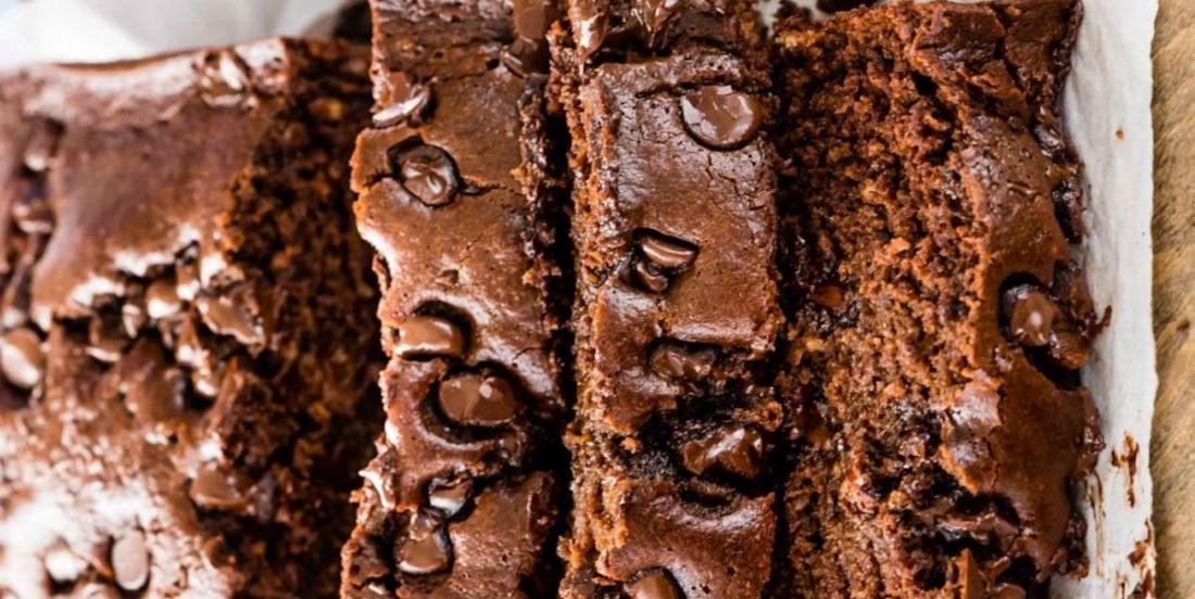 Plaisir décadent: le pain aux bananes triple chocolat