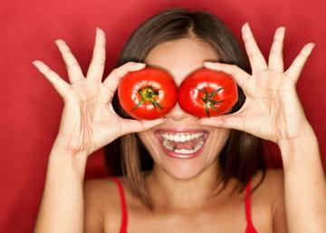Cette femme utilise des tomates s'une manière que je n'avais encore jamais vu...