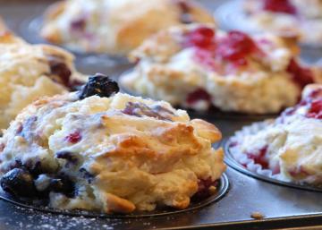Framboises, bleuets et mûres... Un muffin sucré naturellement au sirop d'érable
