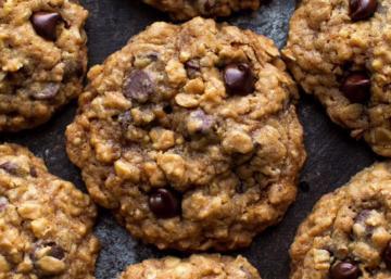 Règles de base + ingrédients magiques = Les meilleurs biscuits à l'avoine et brisures de chocolat qui existent
