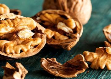 Mangez 5 noix de Grenoble et attendez 4 heures : voici ce qui se produira