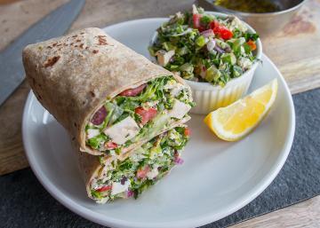 Pouvez-vous croire qu'il y a plus de 58g de protéines dans ce sandwich au poulet Méditerranéen?