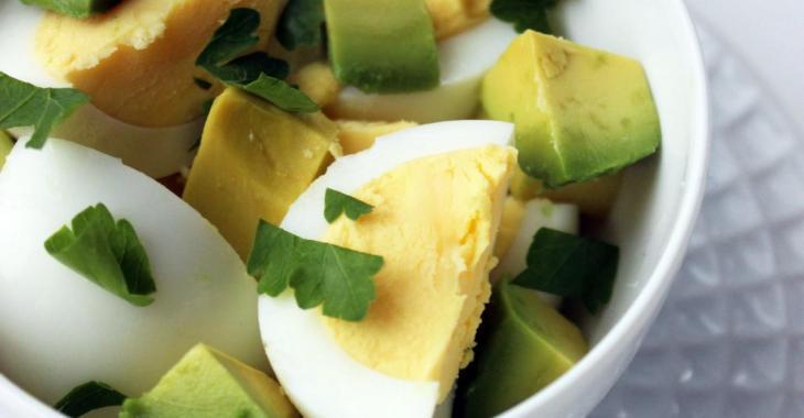 Déjeuner autrement: Oeufs & Avocats