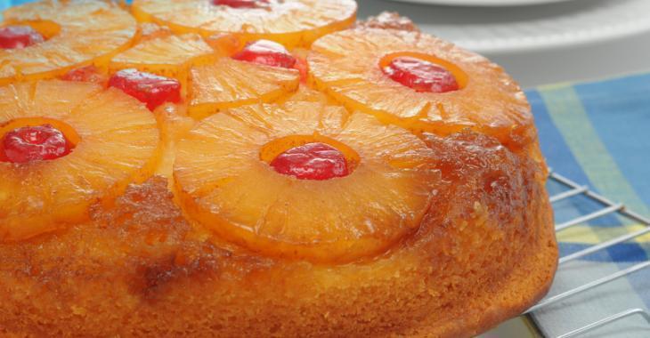 Envie d'un dessert exotique? Essayez ce fabuleux gâteau à l'ananas et au rhum!