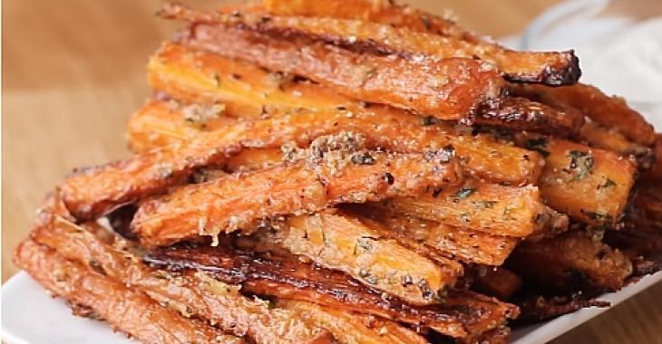Frites de carottes à l'ail et au parmesan, l'accompagnement par excellence