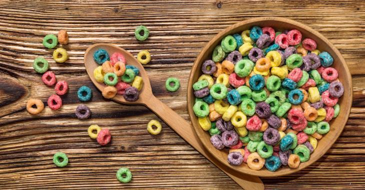 10 aliments industriels à éviter absolument, selon une enquête