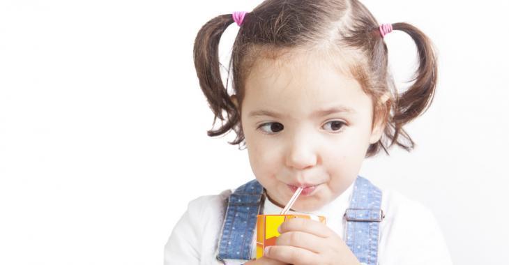 Une enquête révèle des concentrations inquiétantes de matières dangereuses pour la santé dans des jus de fruits