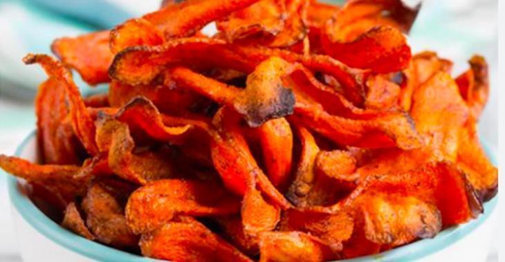 Envie d'une grignotine plus santé? Essayez ces croustilles de carottes faites maison!