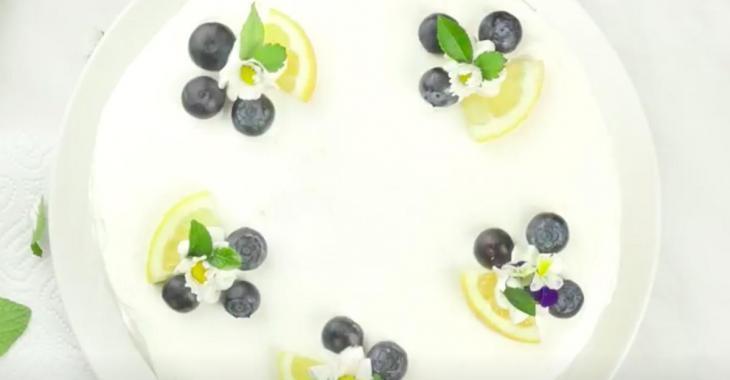 Le must de la belle saison: le gâteau au fromage citron-bleuets!