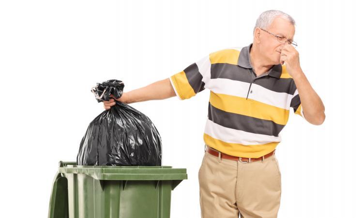 Au secours, ma poubelle pue!!! Découvrez la façon la plus simple pour y remédier...