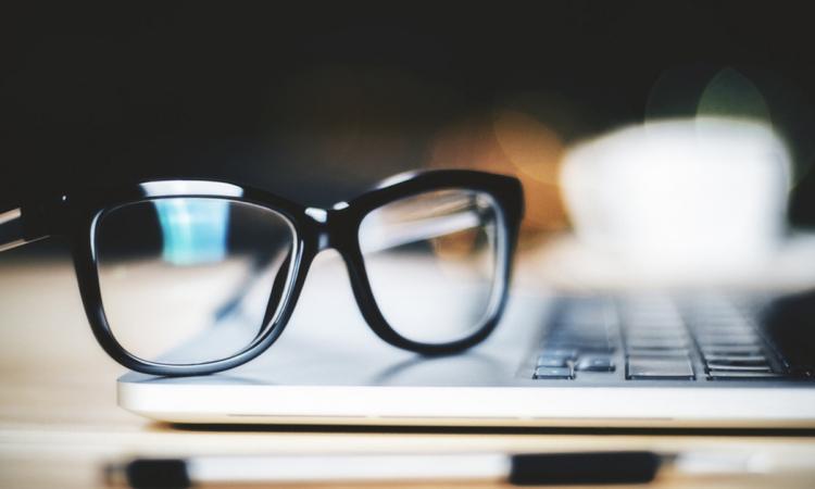 Vous avez TOUT dans la cuisine pour avoir des lunettes propres en tout temps et surtout bien plus longtemps!