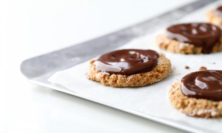 """Cette recette de """"cookies"""" sans gluten vous fera sortir vos plaques à biscuits!"""